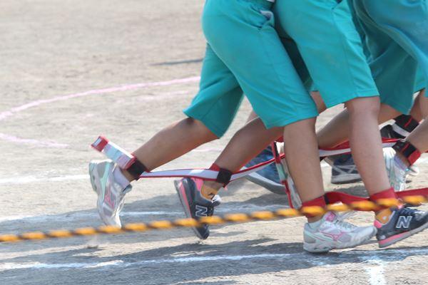 体育祭 ムカデ競争